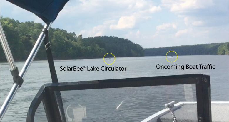 diagram showing oncoming boat traffic compared to SolarBee® Lake Circulator