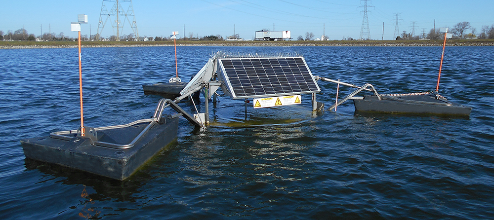 image of SolarBee® wastewater mixer in a facultative lagoon system.